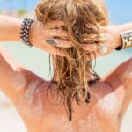 Routine de soins naturels pour les cheveux en été